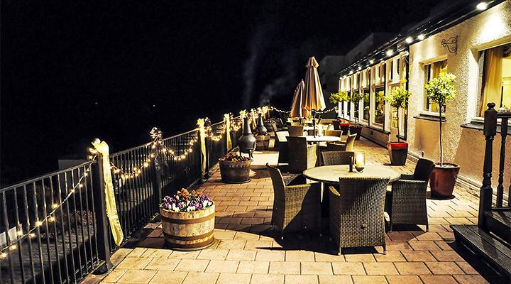 Exterior-Terrace-at-night